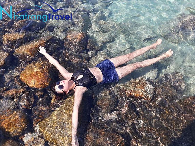 Tận hưởng cảm giác với biển xanh